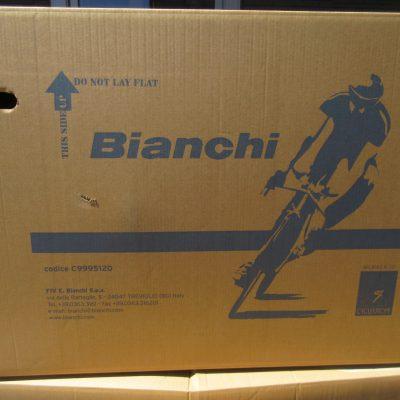 Bianchiもやっと入荷してます